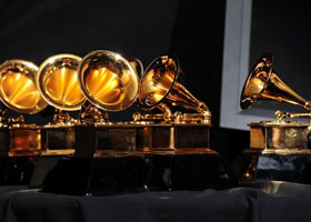 Победители музыкальной премии Грэмми 2013 и их наряды