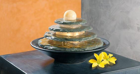 Декоративный фонтанчик для дома со светильником