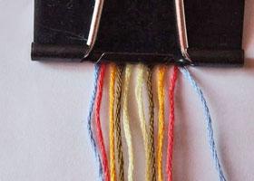 Способы закрепления ниток в украшениях из мулине
